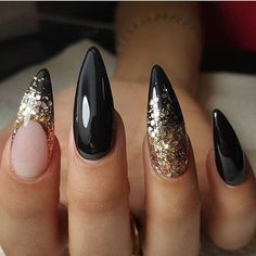 Why are stiletto nails so amazing? We have found the very Best Stiletto Nails for 2018 which you will find below. Having stiletto nails really makes you come off as creative and confident. Fancy Nails, Trendy Nails, Cute Nails, My Nails, Long Gel Nails, Prom Nails, Gold Stiletto Nails, Black Nails With Gold, Pointy Black Nails