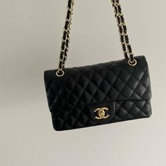 Luxury Purses, Luxury Bags, Channel Bags Classic, Chanel Handbags, Purses And Handbags, Channel Bags Handbags, Channel Purse, Estilo Coco Chanel, Sac Michael Kors