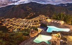 Ciudad de Baños en Ecuador, a las faldas del volcan Tungurahua.