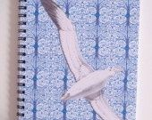 """Carnet spiralé, série """"les oiseaux"""". Motif art déco et albatros."""