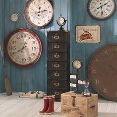 Horloge en métal effet rouille D 72 cm COMPAS