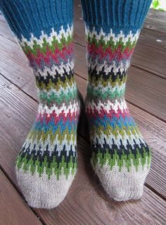 Free Knitting Pattern for Le Quebrada Socks