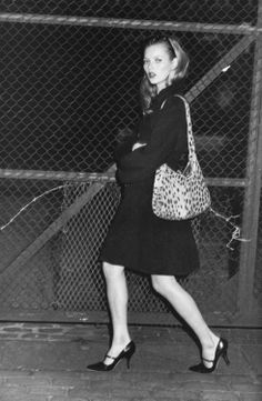 Kate Moss in Manolo Blahnik Mary Janes by Juergen Teller for British Vogue, 1994 Juergen Teller, 90s Fashion, Fashion Beauty, High Fashion, Kate Moss Style, Queen Kate, 90s Models, Vogue Uk, Ella Moss