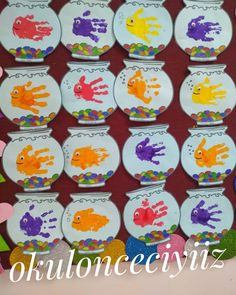 Fish from hand print he Etkinlikpaylaşı my education Preschool Art Projects, Projects For Kids, Abc Crafts, Home Crafts, English Activities, Preschool Activities, Kids Daycare, Easter Crafts For Kids, Spring Crafts