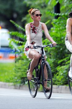 Katy Perry is a boho babe in a lacy shift and side braid while peddling through the park - Harper's BAZAAR
