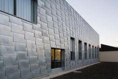VMZINC Naturel   http://www.facadef4.fr/Parements/Parements-facade/Nos-parements-Zinc?finition=8