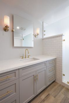 Delectable Half Bathroom Remodel Pallet Walls Ideen - New Ideas Narrow Bathroom, Large Bathrooms, Grey Bathrooms, Grey Bathroom Cabinets, Gray Cabinets, Gold Bathroom, Grey Bathroom Vanity, Bathroom Hardwood Floor, Framed Mirror Bathroom