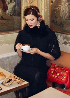 Coffee Girl, Coffee Love, Good Morning Coffee, Perfect People, Coffee Drinkers, But First Coffee, Amazing Things, Drinking Tea, Tea Time