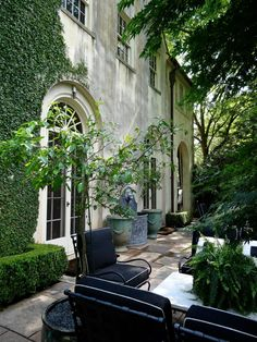 Backyard Landscaping Ideas - Surf landscapes and gardens. Discover brand-new landscape styles and suggestions to improve your house's visual charm. Outdoor Areas, Outdoor Rooms, Outdoor Living, Outdoor Decor, Outdoor Seating, Landscape Design, Garden Design, Beautiful Gardens, Beautiful Homes