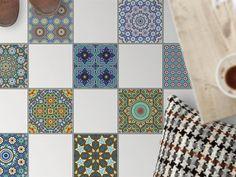 Mit Fliesenaufkleber Boden Für Küche Und Bad Mit Dem Design Orientalisches  Mosaik. Die Folie Ist Einfach Aufzubringen Und Rückstandsfrei Wieder  Abzulösen.