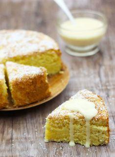 Découvrez comment réaliser en 15 minutes seulement un gâteau moelleux à la noix de coco en suivant les 11 étapes simples de notre recette.