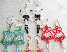 For PDF file of this pattern, CLICK HERE.    Supplies:     2 tatting shuttles Size 20 crochet cotton 12 seed beads size 10 or 11 for stringi...