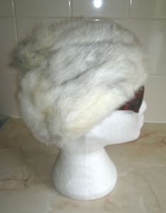 Ladies Vintage cream White & Grey Real Fur Hat Size 56cms Circumference