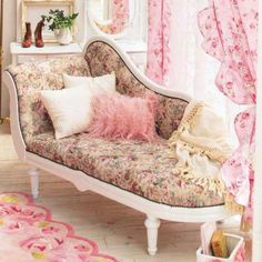 A french settee l dressing/bedroom