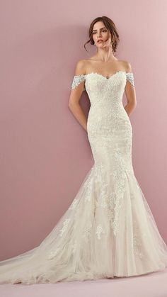 df83782a541d Different financed wedding inspo Respond by Abito Da Sposa Fit And Flare