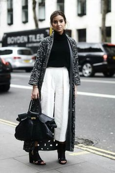 Winter Blogger Street Style / Winter Women's fashion #winter #streetstyle #winterfashion | www.pinterest.com.au/fromluxewithlove/
