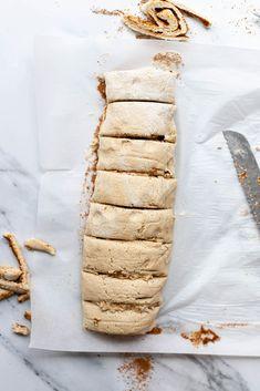 These Gluten Free Cinnamon Rolls are vegan, perfectly sweet would be perfect for a vegan christmas breakfast. #bestglutenfreecinnamonrolls #vegancinnamonrolls #glutenfreecinnamonbuns #veganchristmasbreakfast #dairyfreecinnamonrolls #veganchristnmas #veganbrunchrecipes #dairyfreefrosting #veganfrosting Vegan Brunch Recipes, Gluten Free Recipes For Breakfast, Gluten Free Breakfasts, Delicious Vegan Recipes, Gluten Free Desserts, Vegan Desserts, Dairy Free Frosting, Vegan Frosting, Vegan Christmas