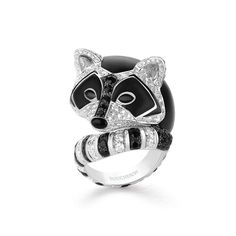 LADOGA,LE RATON LAVEUR Ring set with black sapphires and wood, paved with diamonds, on white gold. Hiver Impérial - High Jewelry - Boucheron USA