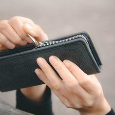 Federmäppchen / Stifte-Etui 012 in M, Leder Schwarz Zip Around Wallet, Card Holder, Cards, Highlighter Pen, Black Leather, Gifts, Table Desk, Rolodex, Maps