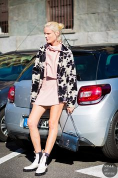 Hanne Gaby Odiele after Etro fashion show. Street Look, Street Chic, Street Style 2016, Street Wear, Street Fashion, Net Fashion, Milan Fashion, Ankle Boots, Cool Outfits