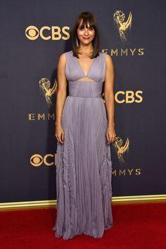 Rashida Jones 2017 Primetime Emmy Awards in Los Angeles Rashida Jones, Celebrity Red Carpet, Celebrity Look, Celeb Style, Celebrity Gossip, Celebrity News, Selena, Forever 21, Red Carpet Looks