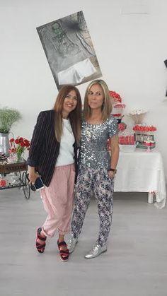 Luna de Algodón de Luna con Carmen Hummer.En la presentación de las camisetas de Rojo Piruleta.Con lentenjuelas y zapatos plata