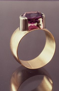 Yellow And White Gold Amethyst Ring by Tom McCarthy Jewelry. Contemporary Jewellery, Modern Jewelry, Jewelry Art, Jewelry Rings, Jewelry Accessories, Fine Jewelry, Fashion Jewelry, Vintage Jewelry, Unique Jewelry