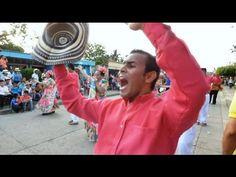 Desfile de aguadoras en Festival Nacional del Porro 2015
