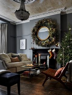 Readly - Ideal Home - 117 - House to home - create a look you'll love English Interior, Christmas Interiors, Piece A Vivre, French Country Cottage, Building A New Home, Christmas Decorations, Holiday Decor, My Living Room, Elle Decor