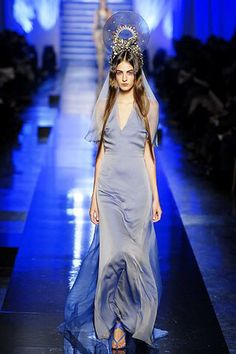 See the complete Jean Paul Gaultier Spring 2007 Couture collection.