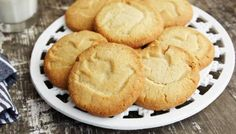 Cardamom and lemon stamped cookies. Ingredients 225g/8 oz butter, softened 150g/5½ oz caster sugar 1 lemon, zest only250g/9 oz plain flour100g/3½ oz ground almonds3 tsp ground cardamom or 1 heaped tsp cardamom seeds, ground in a pestle and mortarPreparation method Preheat the oven to 190C/375F/Gas 5. Line 2 large baking trays with baking parchment.Using an electric hand-whisk, beat the butter, sugar and lemon zest together in a large bowl until pale and fluffy. Beat in the flour, almonds an