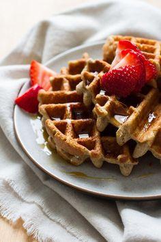 basic buckwheat waffles // edible perspective #glutenfree #vegan