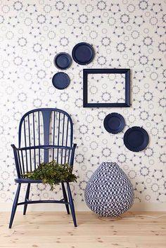 Galleri - Linda Åhman Interior Designer Blue and White interior accents Purple Wallpaper, Blue Wallpapers, Photo Wallpaper, Wall Wallpaper, Scandi Home, Love Chair, Boutique Decor, Metal Homes, Home And Deco