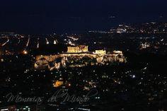 Acropolis de Atenas por la noche  http://www.memoriasdelmundo.com/2014/03/visitar-atenas-en-2-3-dias-o-4-dias.html