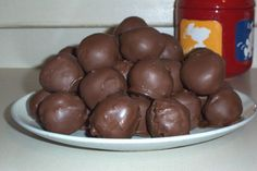 http://amandakjones.hubpages.com/hub/How-to-Make-Cake-Balls