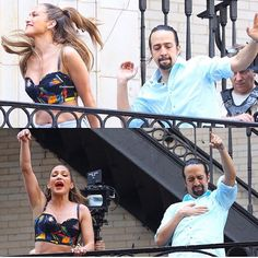 """The top pic is when ur jamming to Daveed rapping in Guns & Ships and then the bottom is when Chris hits u with """"ALEXANDEHERRRRR"""" Cast Of Hamilton, Hamilton Musical, Alexander Hamilton, Jennifer Lopez, Lin Manual Miranda, Techno, Anthony Ramos, Hamilton Lin Manuel Miranda, Theatre Geek"""