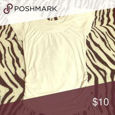 Medium white t-shirt Medium hardly worn white t-shirt Tops Tees - Short Sleeve