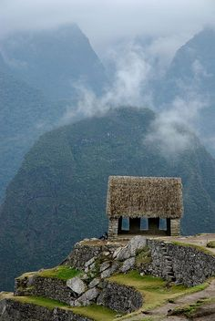 Machu Pichu, Peru Saul Santos Diaz - photographer ....simply gorgeous.... I have to visit and see for myself....
