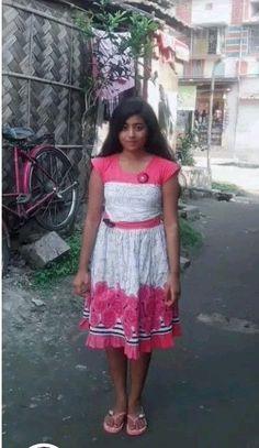 Indian Beautiful Girls - Online Information 24 Hours Beautiful Girl Photo, Beautiful Girl Indian, Beautiful Indian Actress, Cute Little Girl Dresses, Cute Young Girl, Dehati Girl Photo, Desi Girl Image, Indian Girl Bikini, Indian Girls Images