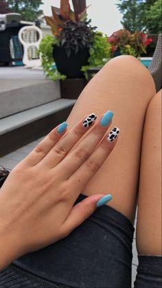 Blue Acrylic Nails, Acrylic Nails Coffin Short, Simple Acrylic Nails, Summer Acrylic Nails, Blue Nails, Summer Nails, Fall Nails, Pastel Nails, Acrylic Nails Designs Short