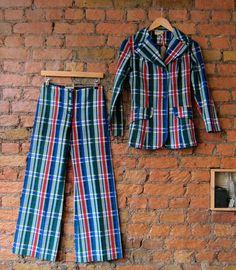 Striped Pants, 1970s, Wordpress, Suits, Fashion, Moda, Stripped Pants, Fashion Styles, Striped Shorts