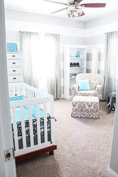 Grey and teal are such a chic combination, this looks great against the Babyletto Modo Crib in 2 tone ;)
