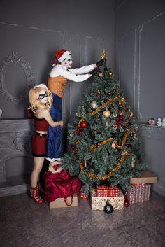 Harley - Moonychka (me) Joker - Reef Christmas tree and Harley and Joker Harley Quinn Cosplay, Joker And Harley Quinn, Joker Hd Wallpaper, Holiday Parties, Holiday Decor, Xmas, Christmas Tree, Disney Frozen Elsa, Pin Up