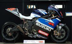 Suzuki_GSV-R_2003.jpg (3724×2272)