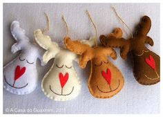 Felt Reindeer ornaments for Craft Night Reindeer Ornaments, Felt Christmas Ornaments, Noel Christmas, Homemade Christmas, Diy Ornaments, Reindeer Christmas, Christmas Christmas, Reindeer Food, Christmas Projects