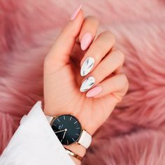 Marble Almond Shaped Nails ❤️ ❤️ Many women choose almond nails as this shape is pretty and goes well with a huge number of nail designs. You can find some cute nail art here. https://naildesignsjournal.com/almond-nails-designs/ #naildesignsjournal #nails #nailart #naildesigns