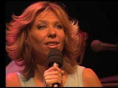 Claudia de Breij in duet met Paul de Leeuw - Mag ik dan bij jou ... - YouTube