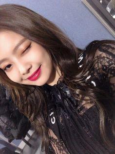 Top Hot & Spicy Photo& of Jennie Blackpink Kim Jennie, South Korean Girls, Korean Girl Groups, Rapper, Black Pink, Blackpink Members, Kim Jisoo, Blackpink Photos, Blackpink Lisa