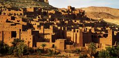 Marrakech to Ait Ben Haddou kasbah :The Ksar of Ait Ben Haddou is an impressive collection of traditional earthen architecture, dating back to the 17th century, forming a Kasbah. What makes Ait Ben Haddou so striking