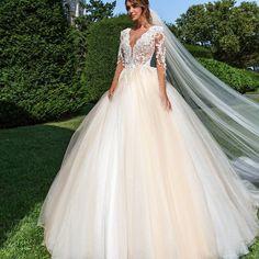 Vestidos de noiva modelo princesa. Clique na imagem e confira todos! #vestidodenoiva #noiva #casamento